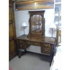 Taylor Dressing Table with Mirror