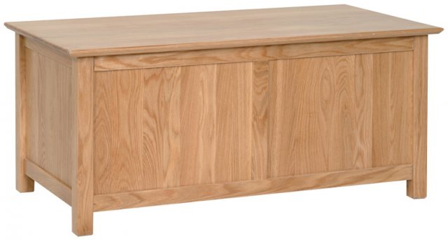 Devonshire Living Devonshire Living: New Oak: Blanket Box